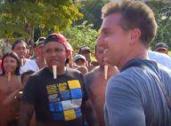 Luciano Huck leva Ronaldo para uma tribo indígena que não conhece futebol