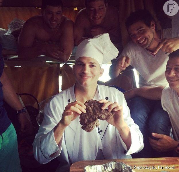Ashton Kutcher surpreendeu por simpatia durante sua passagem pelo Brasil