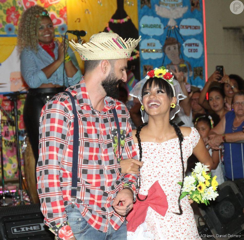 Gleici e Wagner se casaram em uma festa junina neste domingo, 10 de junho de 2018