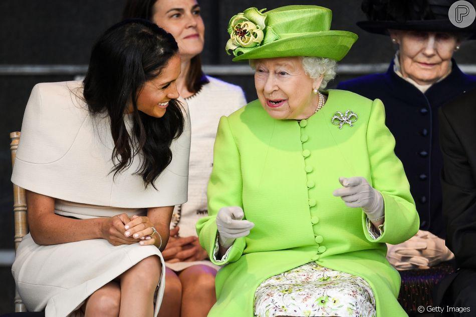 Meghan Markle e rainha Elizabeth II se divertiram na primeira viagem oficial juntas  nesta quinta-feira, 14 de junho de 2018, em Cheshire, na Inglaterra