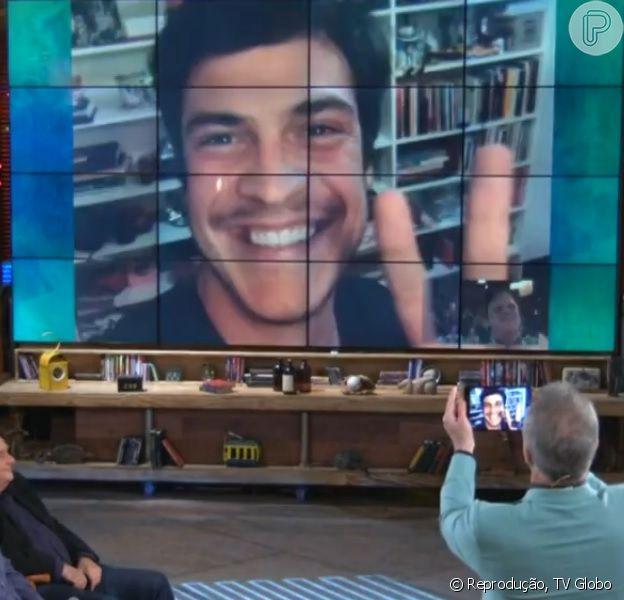 Mateus Solano participa do 'Na Moral' e avisa que vai fazer uma peça sobre selfie (17 de julho de 2014)