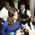 Bruna Marquezine falou com os jornalistas no local