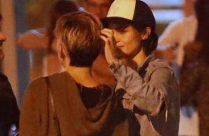 Nanda Costa e a namorada, Lan Lanh, trocam carinhos após jantar no Rio. Fotos!