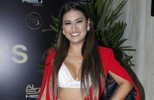 Sertaneja Simone revela dificuldade em usar biquíni: 'Preciso perder a vergonha'