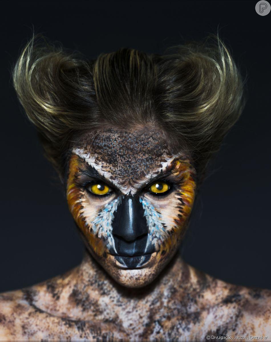 A Julia Faria foi maquiada para parecer uma coruja orelhuda