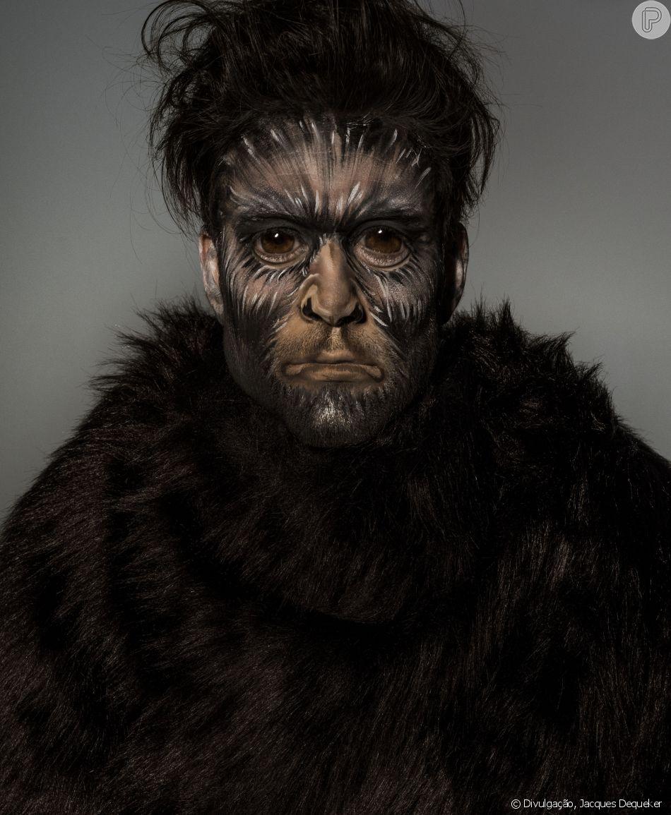 Sérgio Marone aparece em campanha como macaco aranha