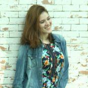 Jeans e floral! Ex-BBB Ana Clara alia tendências em look durante passeio. Fotos!