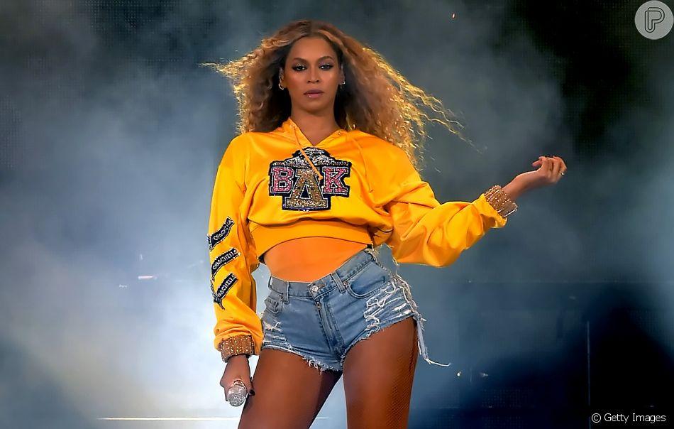 Beyoncé anuncia para 13 de julho de 2018 a venda dos moletons criados em parceria com a Balmain