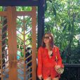 Marina Ruy Barbosa escolhe modelo Missoni para complementar seu look
