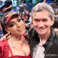 Anitta com o apresentador do 'Altas Horas', Serginho Groisman
