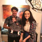 Débora Nascimento e José Loreto reúnem amigos em celebração dos 3 meses da filha