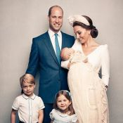 Palácio real posta fotos oficiais do batizado do caçula de Kate Middleton, Louis