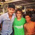 Neymar foi muito assediado por fãs em Ibiza
