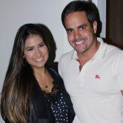 Simone beija Kaká Diniz no aeroporto após 7 dias do marido em retiro: 'Saudades'