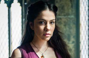 Final de 'Deus Salve o Rei': Amália se choca ao saber que é irmã de Catarina