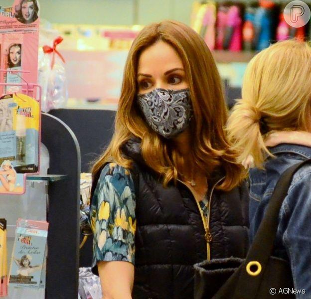Ana Furtado explicou por que usa máscara cirúgica durante o tratamento contra câncer