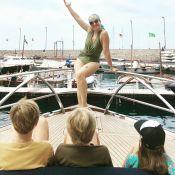 Angélica posa de maiô em passeio de barco com os filhos: 'Mamãe presepeira'
