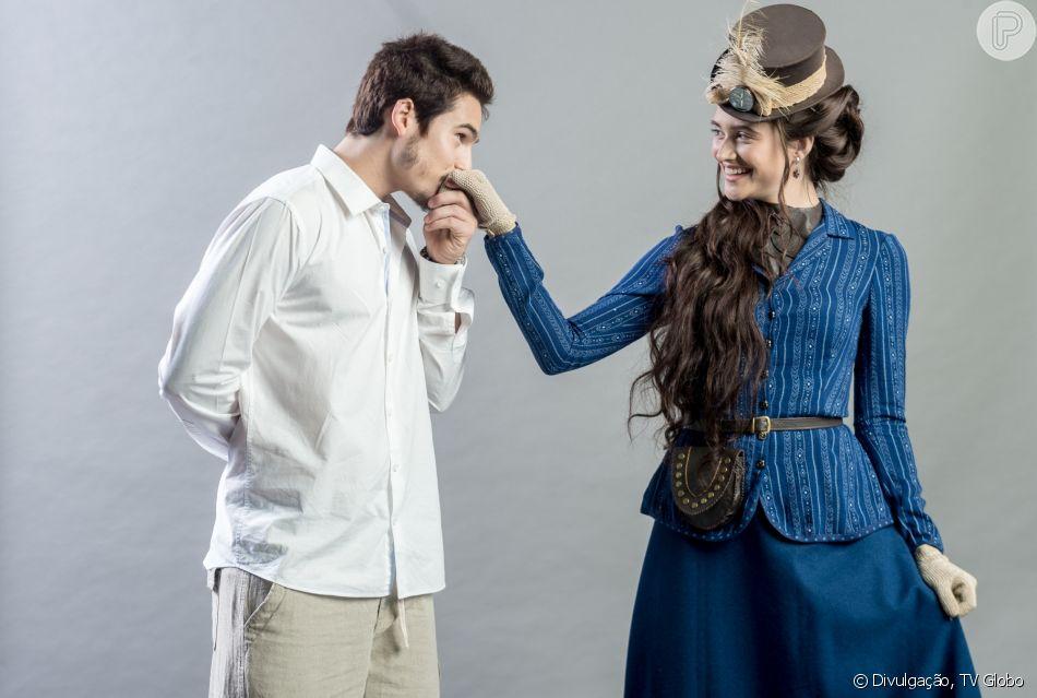 Samuca (Nicolas Prattes) se declara a Marocas (Juliana Paiva) ao lhe pedir em namoro, nos próximos capítulos da novela 'O Tempo Não Para': 'Amo você!'