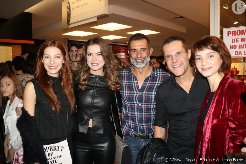 Marcos Pasquim e Rayanne Morais assistiram à peça 'Pippin', no Teatro Clara Nunes, na zona sul do Rio, nesta segunda-feira, 6 de agosto de 2018