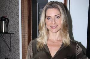 Leticia Spiller marca presença em inauguração de espaço em shopping do Rio