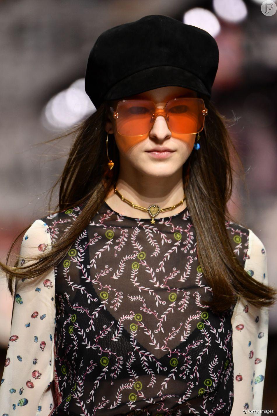 c508904cb97d4 Os óculos colorquake da Dior  e quadradão com lentes alaranjadas ...