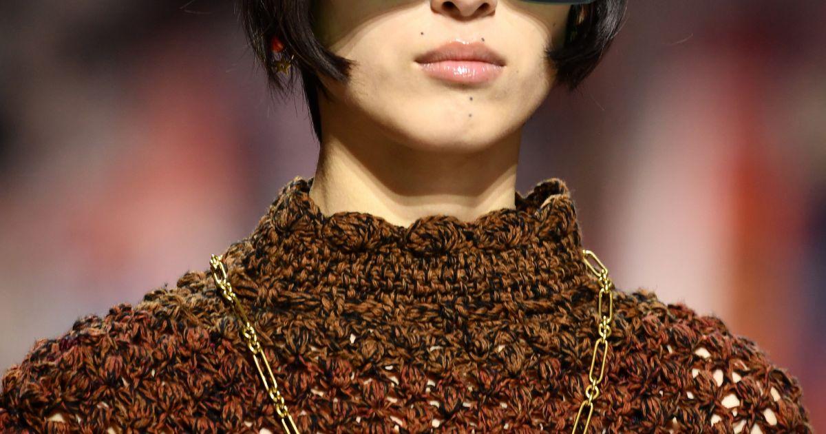 b3b517cd7c53f Os óculos colorquake da Dior  com lentes mais escuras, em verde - Purepeople