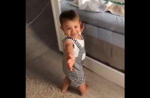 Andressa Suita filma momento fofo de Gabriel admirando Samuel no berço: 'Neném'