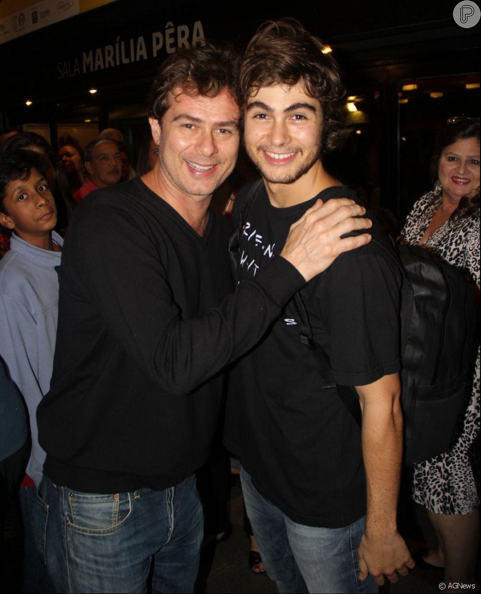 O ator Rafael Vitti com o pai, João Vitti