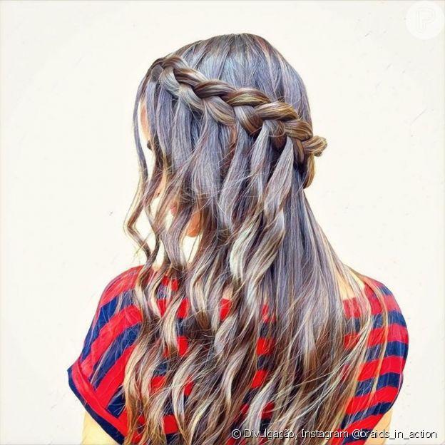 A trança cascata deixa o cabelo com um acabamento diferenciado