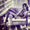 Nas fotos, Grazi Massafera aparece sensual usando uma hot pant e um body com estampa étnica