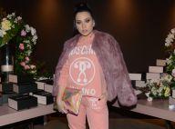 Flavia Pavanelli usa conjunto de moletom Moschino em festa de youtuber. Ao look!