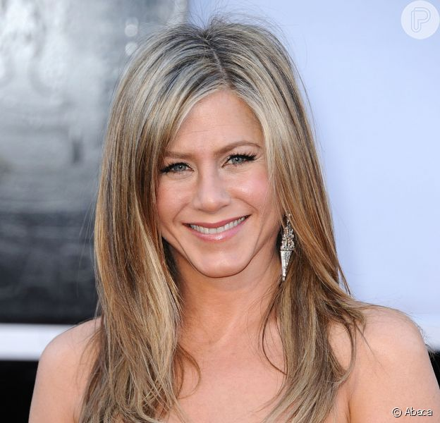 Jennifer Aniston falou um pouco dos seus cuidados com a beleza, e como lida com a pressão de Hollywood sob as atrizes