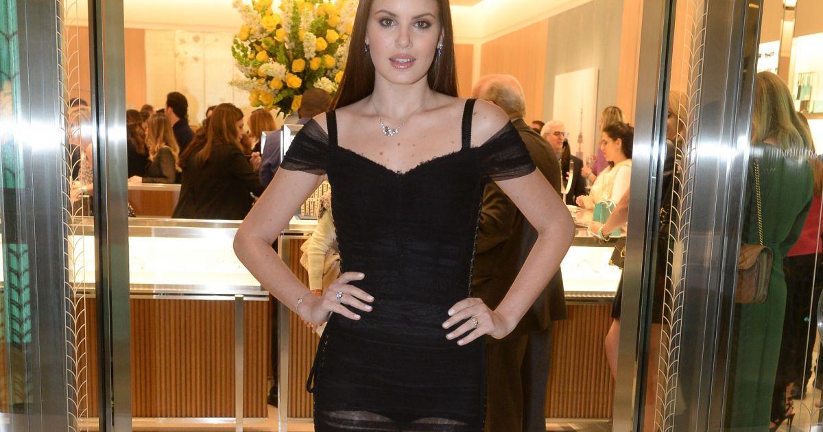 51963adbb16d9 Camila Queiroz elege look D G com transparência para evento da Tiffany.  Fotos! - Purepeople