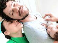 Débora Nascimento mostra foto em família com José Loreto e Bella: 'Plenitude'