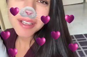 Thais Fersoza faz vídeo com filhos no colo e Melinda rouba a cena: 'Beijo mesmo'