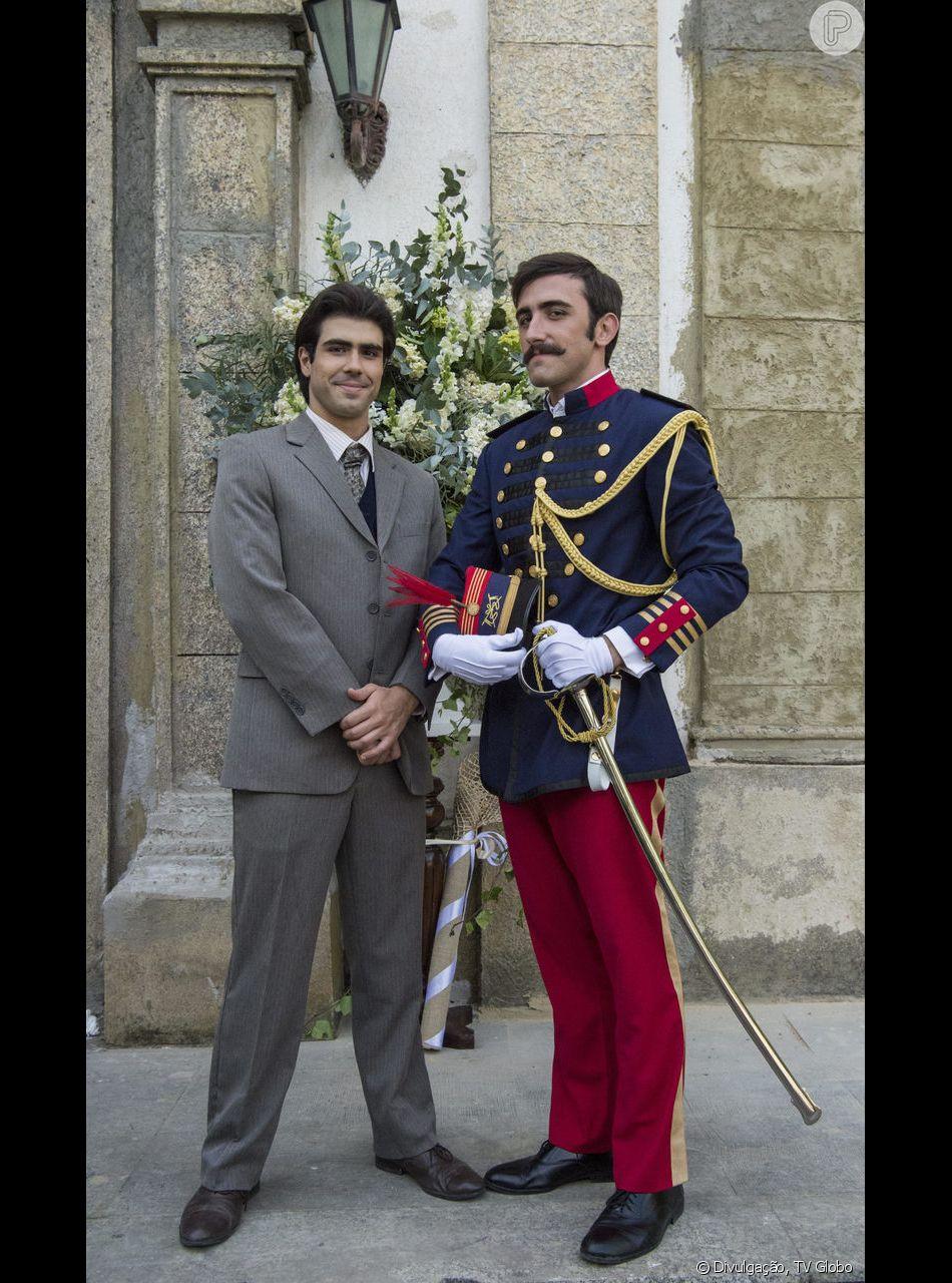 Luccino (Juliano Laham) e Otávio (Pedro Henrique Müller) vão usar uma passagem secreta entre suas casas para poderem se ver nos últimos capítulos da novela 'Orgulho e Paixão'