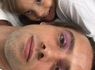 Pai maquiado! Filha de Rafael Cardoso passa gloss como sombra no ator: 'Rosa'