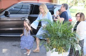 Angélica e Luciano Huck recebem amigos na festa de 6 anos da filha, Eva, no Rio