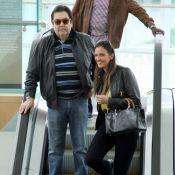 Faustão passeia com a mulher, Luciana Cardoso, em shopping do Rio de Janeiro