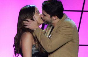 Leandro Martins comenta beijo em Anitta no Prêmio Multishow: 'Bom pra caramba'
