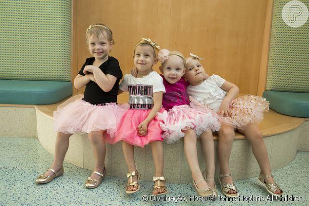 Chloe, Lauren, McKinley e Avalynn se conheceram no Hospital Johns Hopkins All Children, onde começaram o tratamento da cura contra o câncer