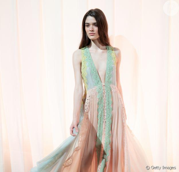 Os vestidos do verão 2019: o look Alberta Ferretti é pura delicadeza para o verão