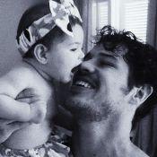 Débora Nascimento mostra José Loreto com a filha, Bella: 'Vibremos no amor'