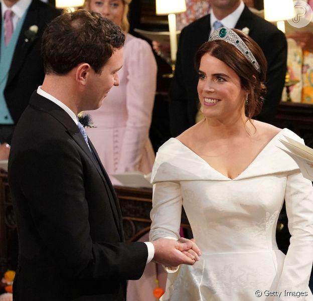 Princesa Eugenie de York se casa com o empresário Jack Brooksbank
