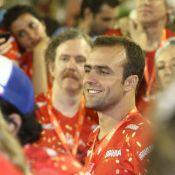 Roger Flores pula Carnaval sem Deborah Secco: 'Ela está muito magra'