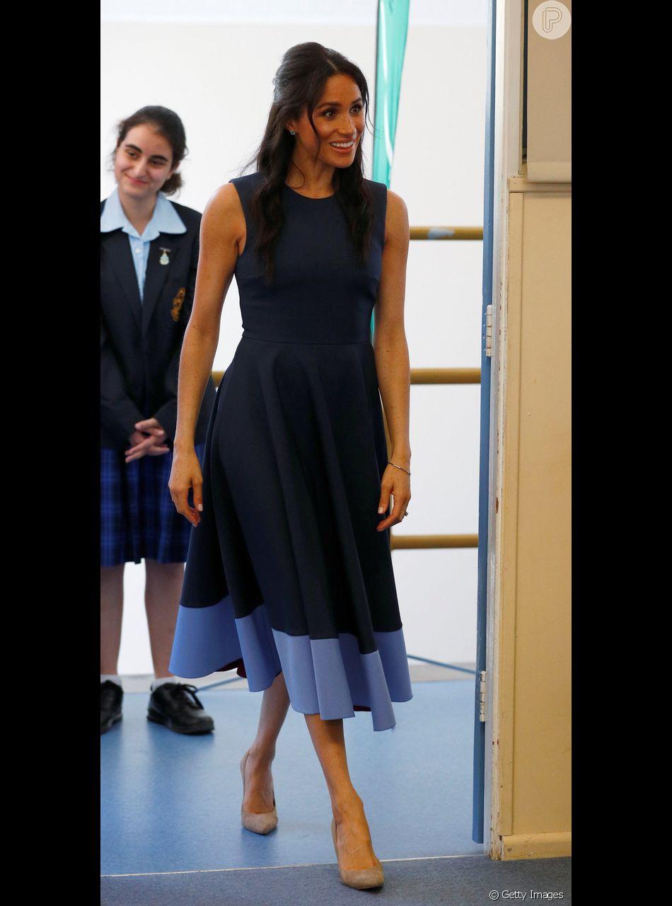 Meghan Markle Combina Penteado E Vestido Com Inspiração Navy