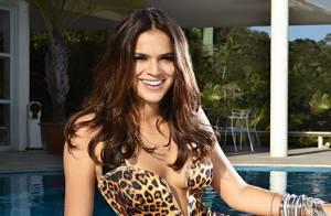 Bruna Marquezine exibe boa forma ao posar para campanha de grife de roupas