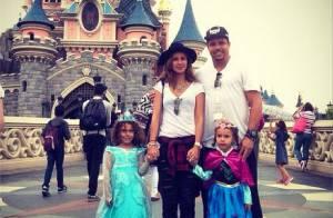 Ronaldo faz passeio em parque da Disney com as filhas e Paula Morais