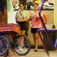 Nanda Costa e Lan Lanh deixam restaurante com chopp e batatas fritas