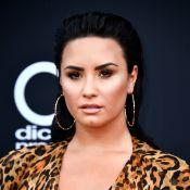 Demi Lovato recebe alta de clínica de reabilitação após 3 meses: 'Feliz e rindo'